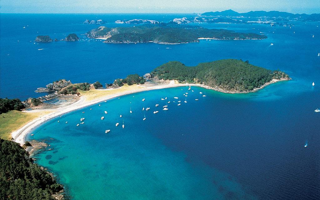 """Bay of Islands là một nơi được mệnh danh là """"đẹp như tranh vẽ"""""""