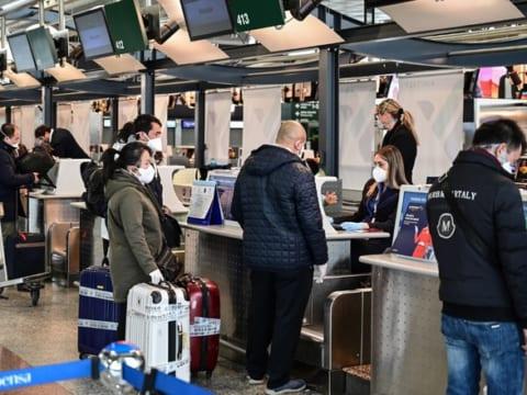 Việt Nam dừng miễn visa cho 8 nước Châu Âu